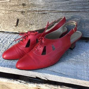Vintage Magdesians Lace-up Slingback Kitten Heels